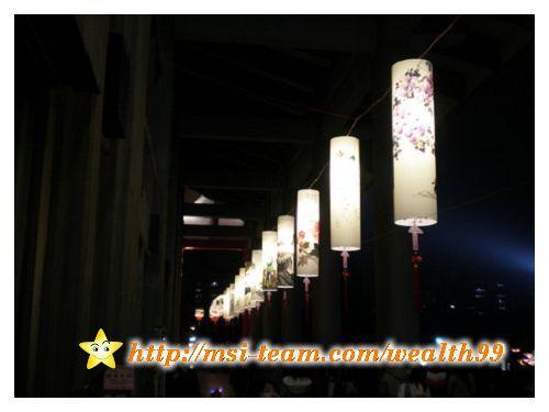 國父紀念館長廊下的藝術燈籠