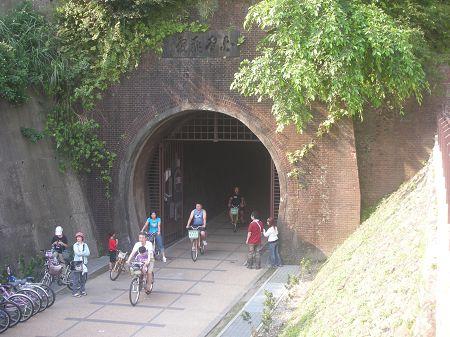 8舊草嶺隧道出口01.jpg