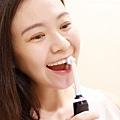 深層而徹底,比手動牙刷更容易刷到難刷部位,輕鬆包覆清潔每一顆牙齒.jpg
