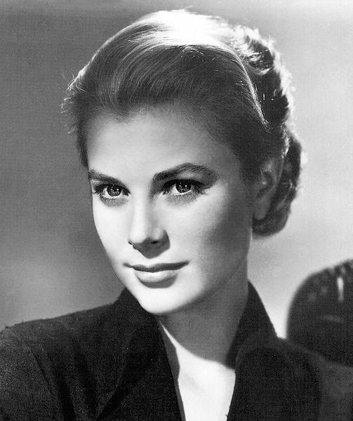 Grace Kelly_01.jpg
