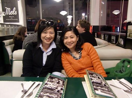 晚上跟朋友在美式復古餐廳小聚