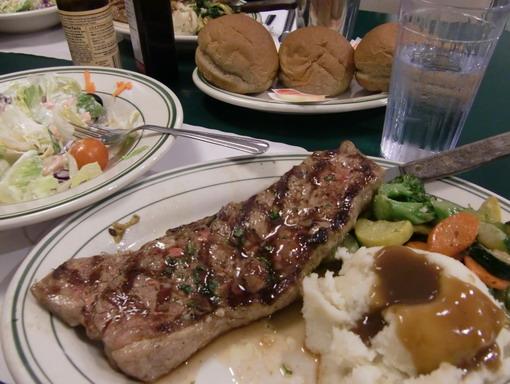5年沒吃牛排了,開戒一下。但是感覺downtown的TAD'S還是比較好吃。