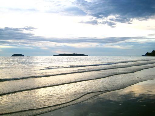 南中國海好寧靜,完全沒有浪花。好像一面大湖~