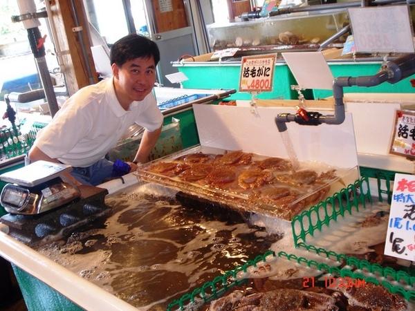 市場邊的大螃蟹