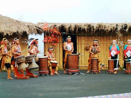 表演內容頗有水準,把鄒族孔驍勇善戰的文化精神表現出來