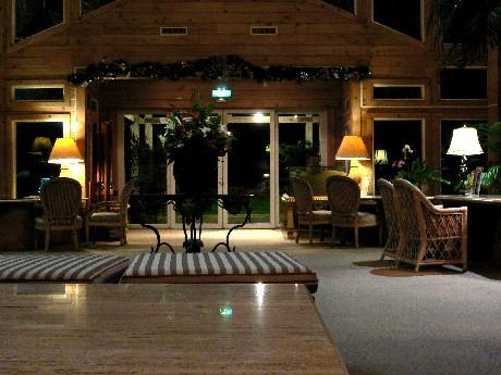 玩完水,就到lobby木屋吃晚餐