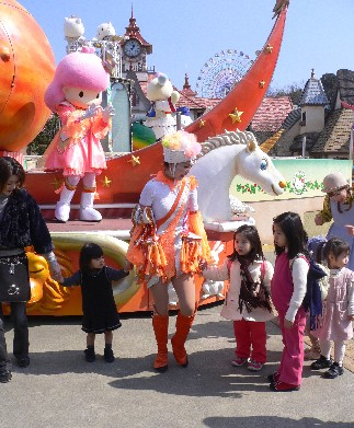 還有其他的日本小朋友也一起