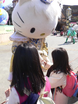 Hello Kitty竟然來拉我...是作夢嗎?!