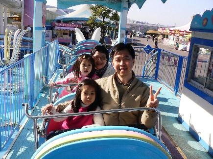 還有3歲小朋友都能坐的雲霄飛車