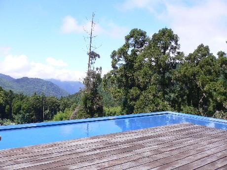 屋頂的平台跟自然沒有邊界