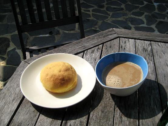 用碗公裝咖啡,十足的法國喝法