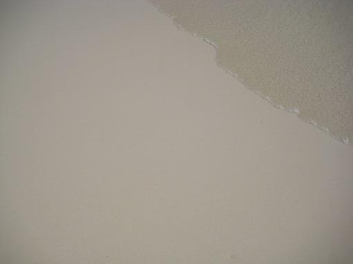 白皙淨透的水與沙....