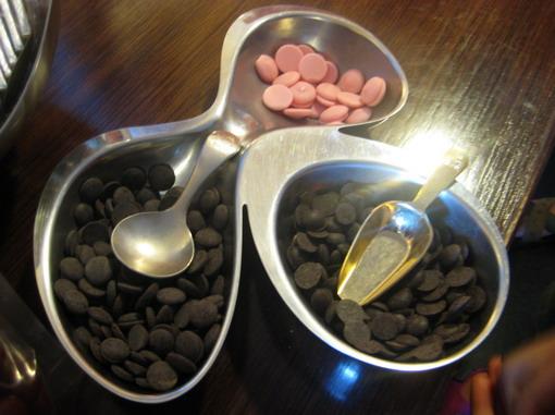 比利時進口的鈕扣巧克力,各種純度都有