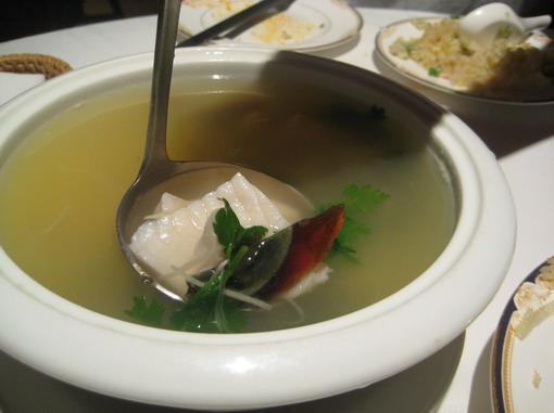 皮蛋魚片湯 yum yum