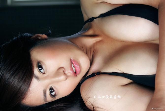 Sayaka Isoyama01.jpg