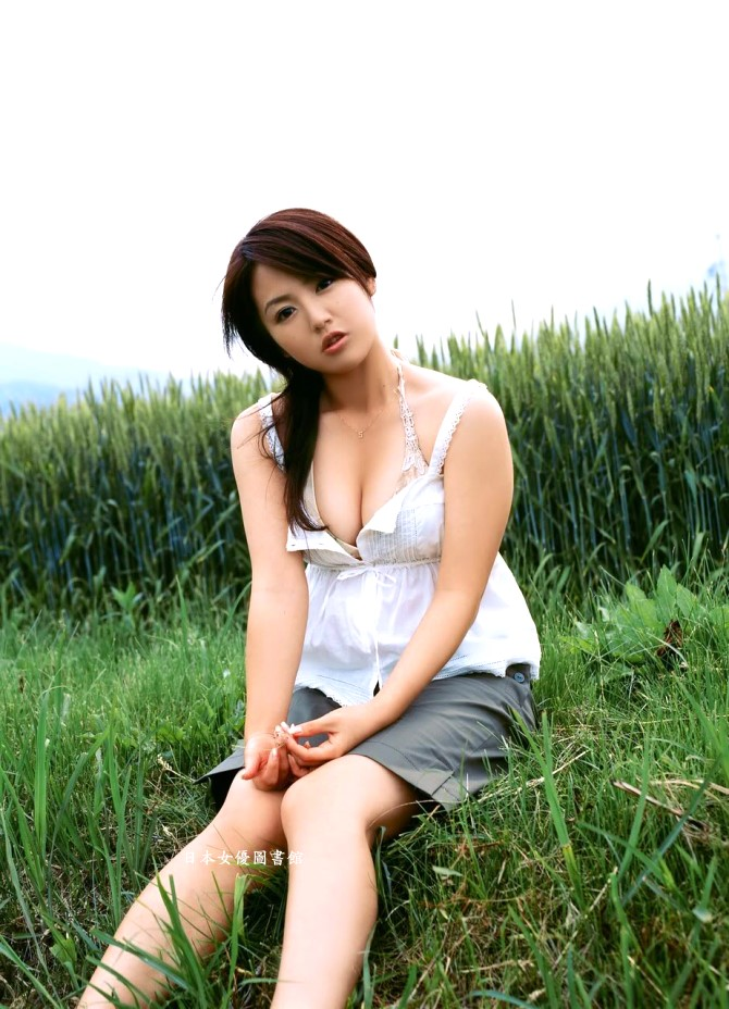 Sayaka Isoyama07.jpg