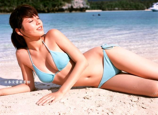 Yumi Sugimoto05.jpg