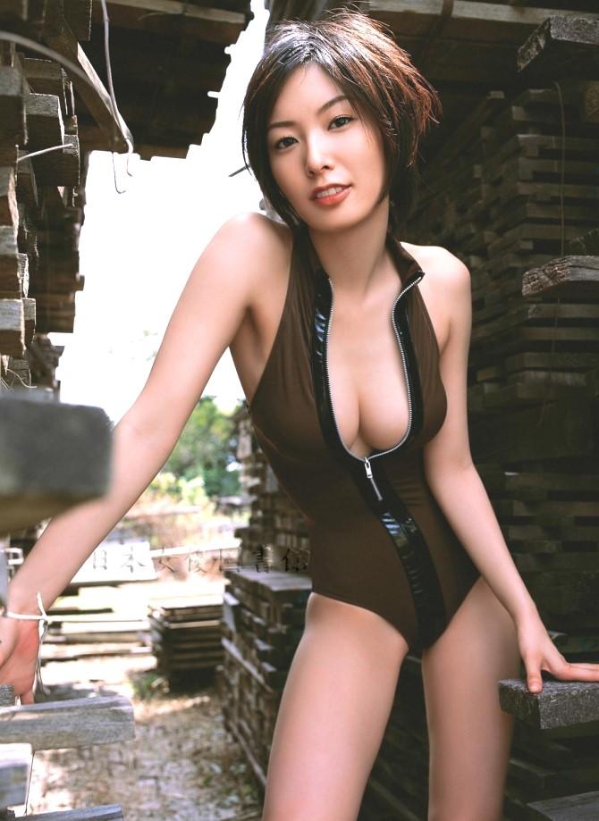 長澤奈央08.jpg