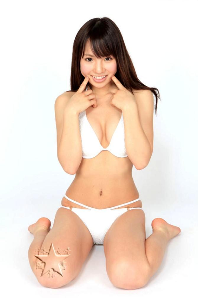 吉田桃子06.jpg