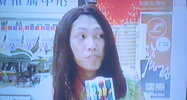 趙正平當年在片中反串造型喜感十足.jpg