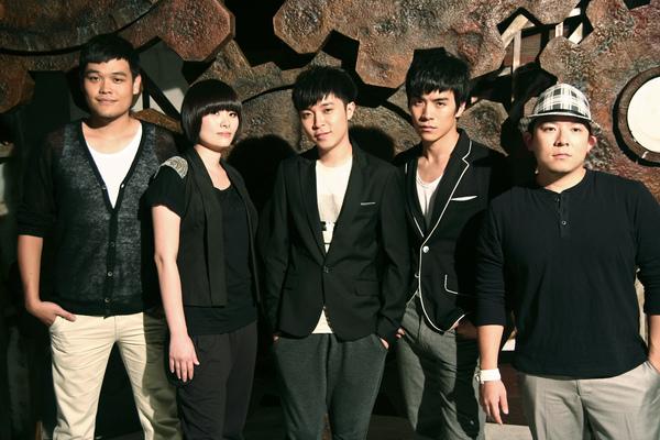 十年一刻MV邀國寶噴畫師入鏡,蘇打綠第七輯回歸音樂純粹