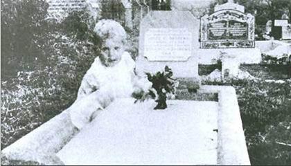 墓地小女孩 靈異照 貴夫人