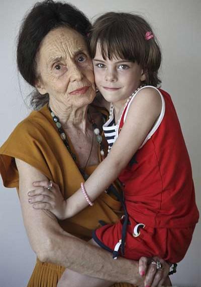 最老的媽媽 Adriana Iliescu2