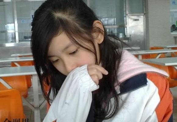 大家都說韓國人工美女如雲  回過頭來看看華裔渾然天成的美女 .......你喜歡哪一種美女呢.......???