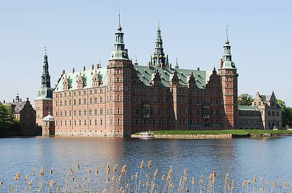 Frederiksborg Castle.jpg