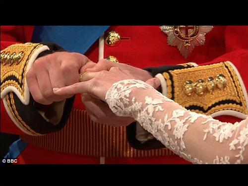 凱薩琳王妃婚紗_4.jpg