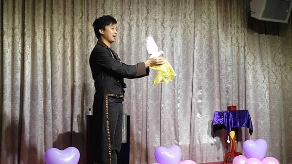 台南文定婚宴拉拉熊出租+小丑汽球+魔術表演 (1).JPG