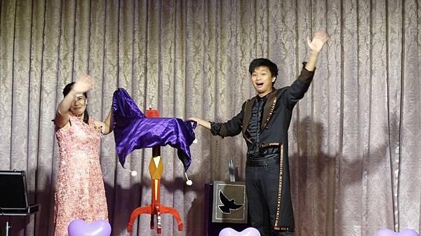 台南文定婚宴拉拉熊出租+小丑汽球+魔術表演 (2).JPG