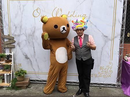 0401嘉義喜宴主持人+魔術汽球表演+拉拉熊出租+川劇變臉+紙箱刺人 (7).JPG