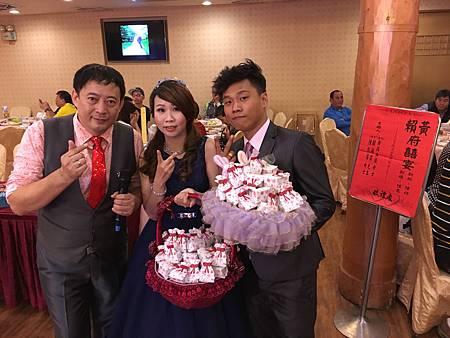 0305高雄真寶婚宴主持+魔術表演+Kitty人偶迎賓+川劇變臉 (25).JPG