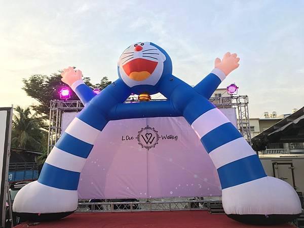 高雄婚禮主持+魔術表演+小叮噹多拉A夢人偶出租+充氣拱門 (5).JPG