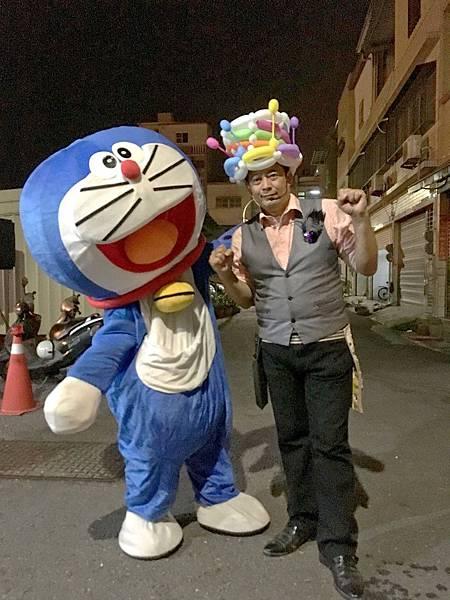 高雄婚禮主持+魔術表演+小叮噹多拉A夢人偶出租+充氣拱門 (11).JPG