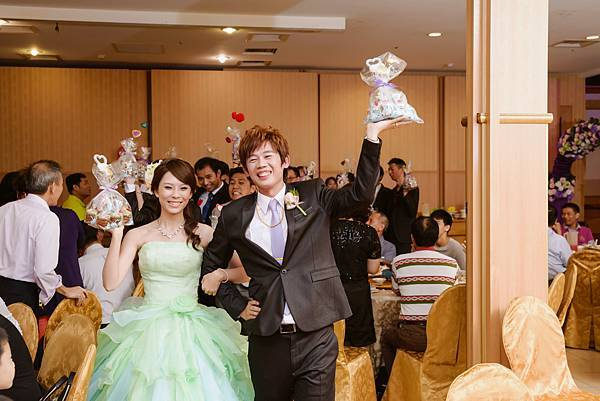婚禮紀錄 台南 海中寶中華料理餐廳 婚攝 Theo 席歐-123.jpg