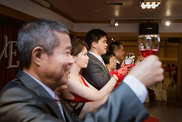 婚禮紀錄 屏東 桃山餐廳 婚攝 Rheo 席歐 (76).jpg