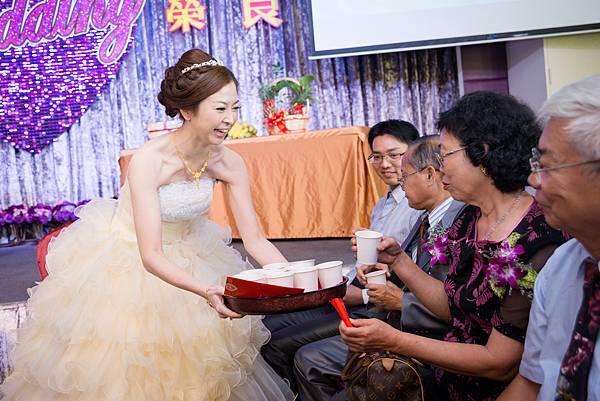 婚禮紀錄 高雄 河邊海鮮餐廳 婚攝 Theo 席歐 (126).jpg