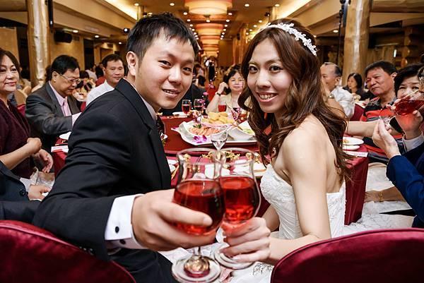 婚禮紀錄 高雄 真寶活海鮮餐廳 婚攝 Theo 席歐-75.jpg
