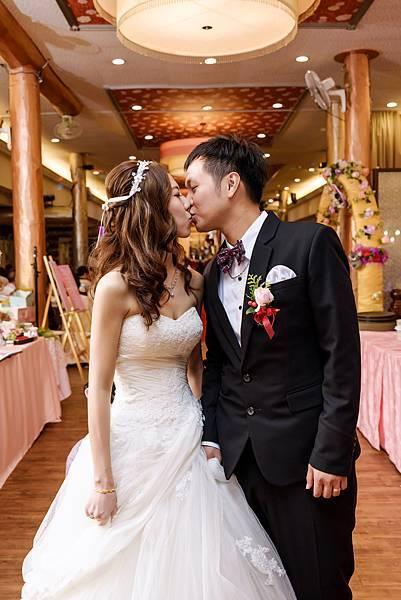 婚禮紀錄 高雄 真寶活海鮮餐廳 婚攝 Theo 席歐-80.jpg
