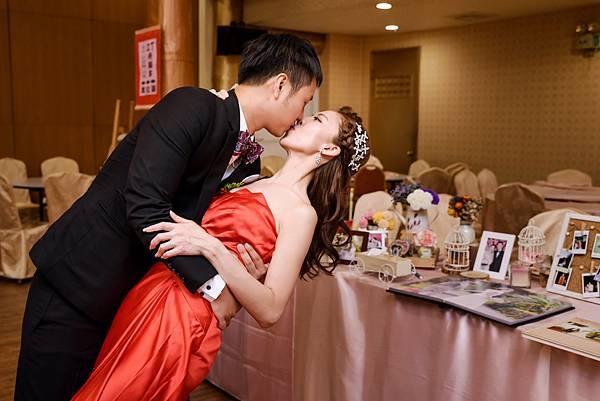 婚禮紀錄 高雄 真寶活海鮮餐廳 婚攝 Theo 席歐-109.jpg