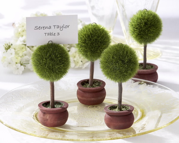 green-wedding-favors-1