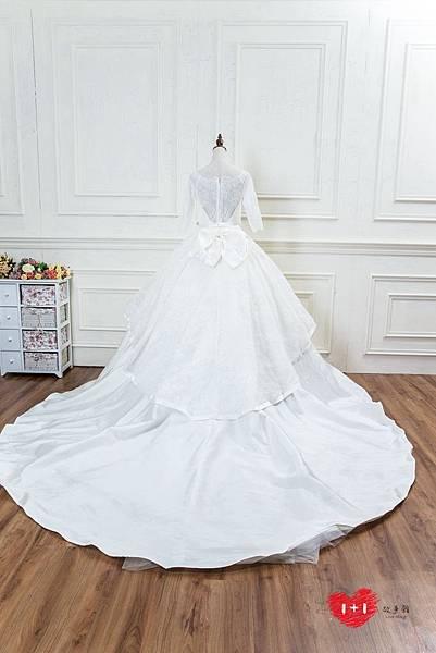 手工婚紗推薦:甜美蕾絲長袖禮服