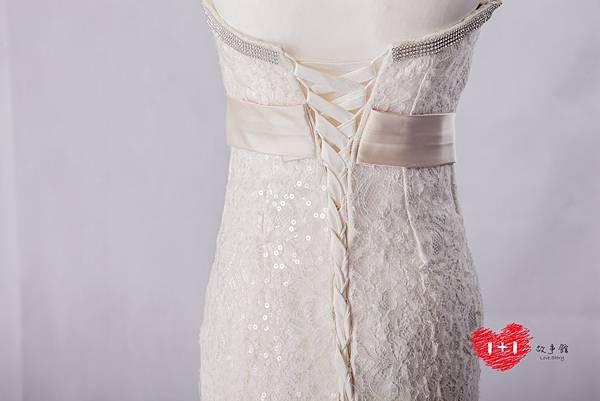 手工婚紗推薦:典雅撞色花漾白紗