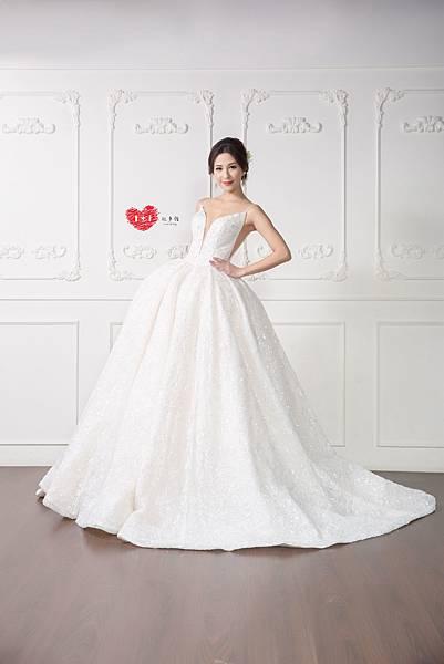 手工訂製禮服,手工訂製婚紗,禮服出租,手工婚紗,手工婚紗推薦,婚紗訂製,禮服訂製 (5).jpg