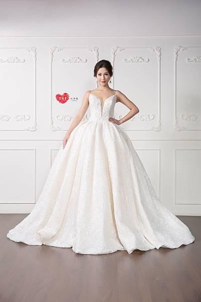 手工訂製禮服,手工訂製婚紗,禮服出租,手工婚紗,手工婚紗推薦,婚紗訂製,禮服訂製 (3).jpg