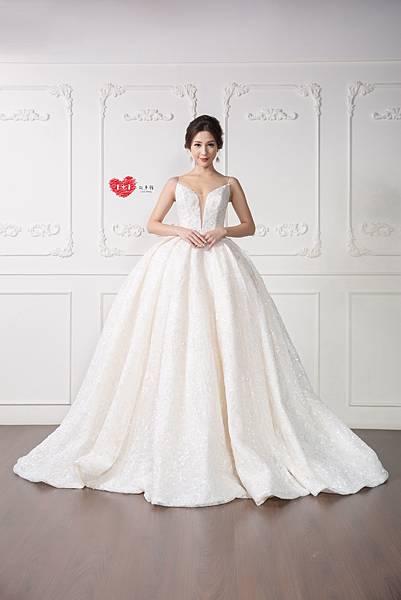 手工訂製禮服,手工訂製婚紗,禮服出租,手工婚紗,手工婚紗推薦,婚紗訂製,禮服訂製 (2).jpg