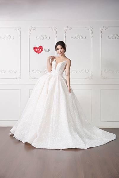 手工訂製禮服,手工訂製婚紗,禮服出租,手工婚紗,手工婚紗推薦,婚紗訂製,禮服訂製 (7).jpg