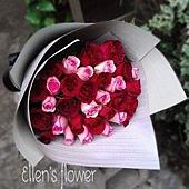 [AE011]甜蜜滋味__33朵紅粉玫瑰花束$1850.jpg